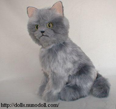 Gray cat and white cat